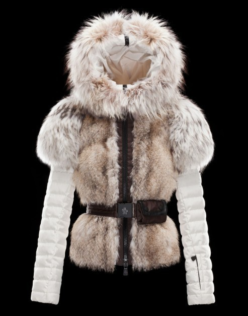 2016 Moncler Down Coats For Women With Fur Cap mc1049