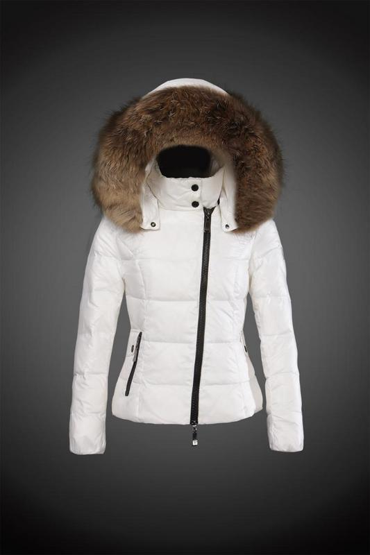 2016 Moncler Down Coats For Women With Fur Cap mc1070