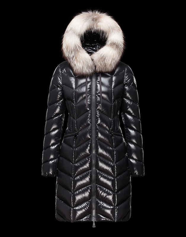 2016 Moncler Long Down Coats For Women With Fur Cap mc1019