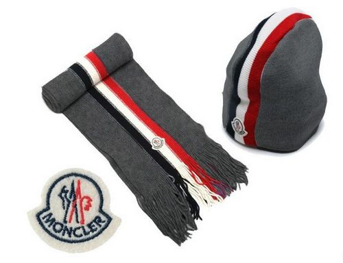 Moncler Sciarpa & Cap B For Sale