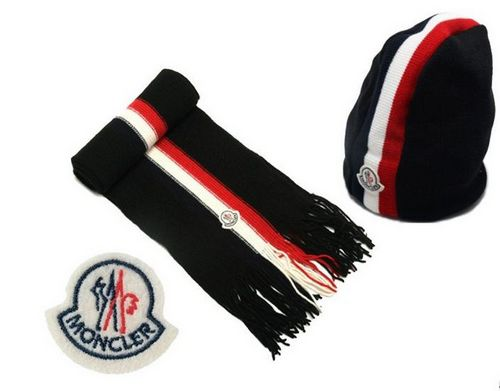 Moncler Sciarpa & Cap C For Sale