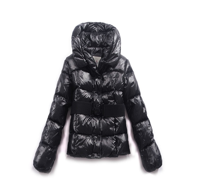 Moncler Short And Contoured Silhouette Navy Blue Jacket Women