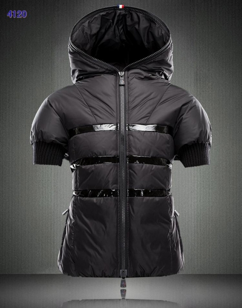 Moncler Short Sleeve Women Down Jackets Black Sale