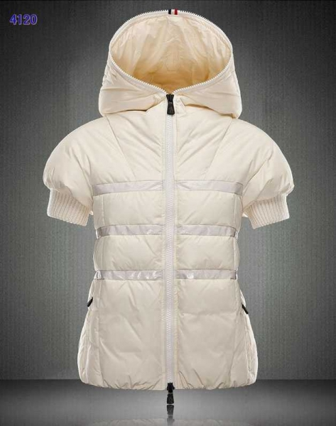 Moncler Short Sleeve Women Down Jackets White New Style Sale